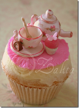 tea table cupcake